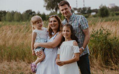 Rodzinna sesja o zachodzie słońca
